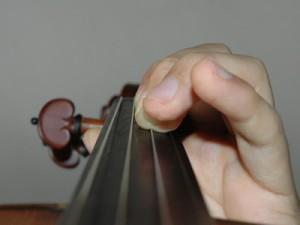 指の押さえ方2